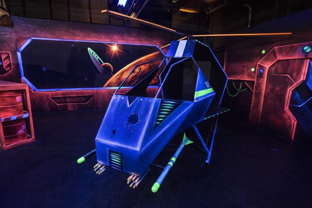 Lasergame arena met helikopter bij Race Planet